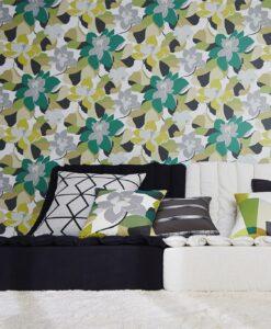 Diva wallpaper by Scion in Leaf/Moss
