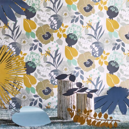Doyenne Wallpaper from the Standing Ovation Collection by Harlequin