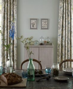 Fabienne Plain Wallpaper